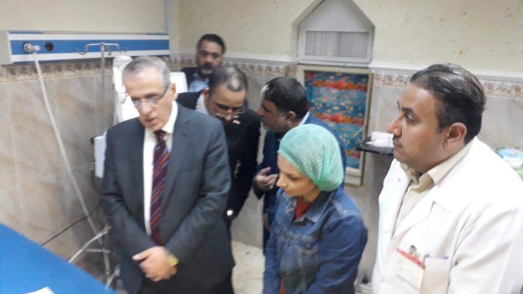 صور: وزير الصحة والبيئة يزور الطفلة رهف بمستشفى الشهيد الصدر في بغداد