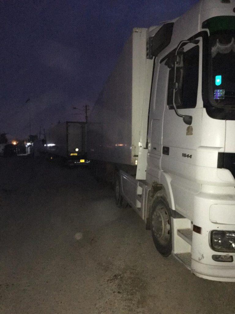 """صور: ضبط 5 شاحنات في حدود بغداد تحمل """"ادوية مهربة"""""""
