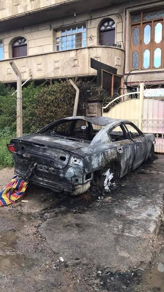"""صور: مجهولون يحرقون سيارة """"جارجر"""" في القادسية!"""