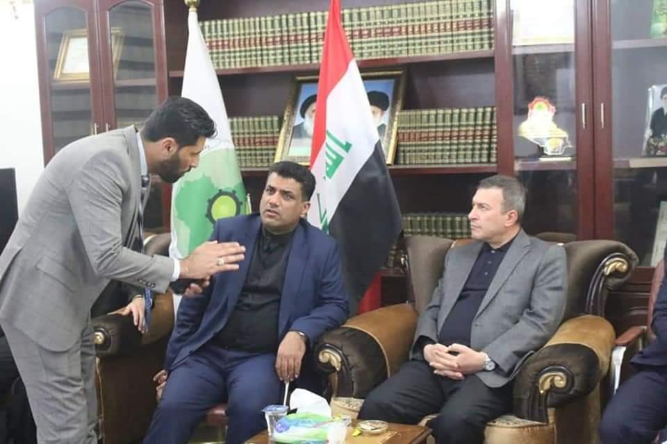"""بحضور الملحق العسكري الإيراني: """"بدر"""" ترعى اتفاقاً على """"إدارة سداسية"""" لمحافظة كربلاء"""