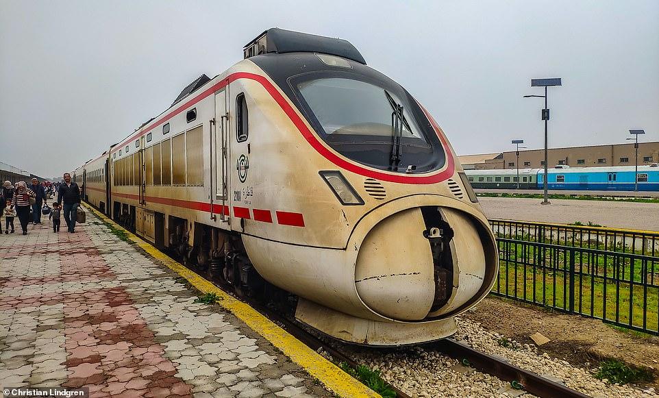 """سائح نرويجي في العراق: الحياة طبيعية.. قطارات فائقة السرعة و""""ميليشيات ودودة"""""""