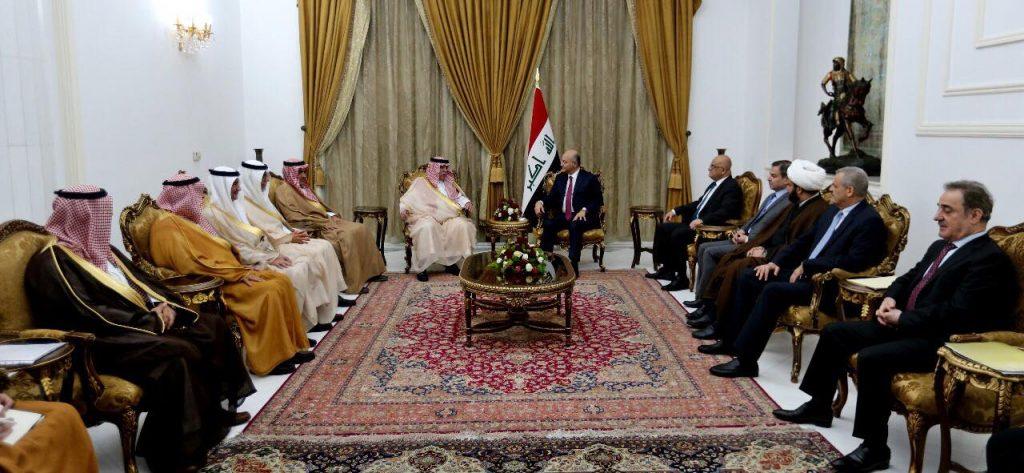 خلال لقائه وزير سعودي.. رئيس الجمهورية: العراق يسعى للابتعاد عن نزاعات المنطقة