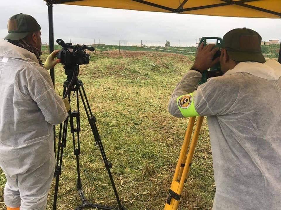 صور: المباشرة بفتح المقابر الجماعية في قرية كوجو الايزيدية