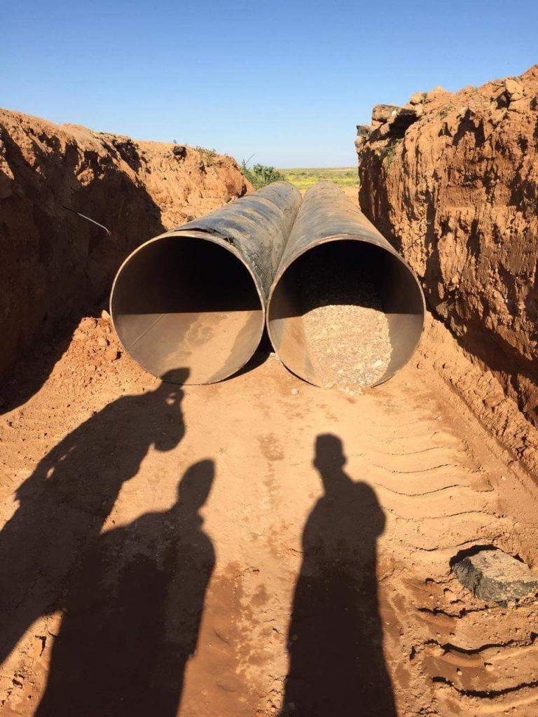 طرق وجسور الأنبار تنفذ أعمال تأهيل طريق النخيب - عرعر (صور)