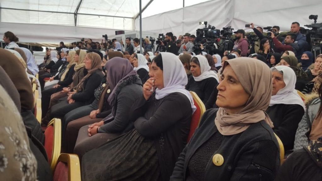 بدء مراسم افتتاح المقبرة الجماعية الايزيدية في نينوى (صور)