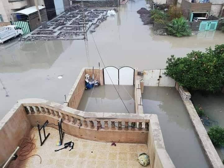 صور: المياه تغمر أحياء وأسواق الفلوجة تماما.. والمواطنون يستغيثون