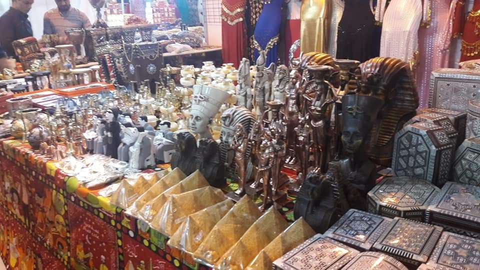 افتتاح معرض منتجات مصرية في الأنبار (صور)