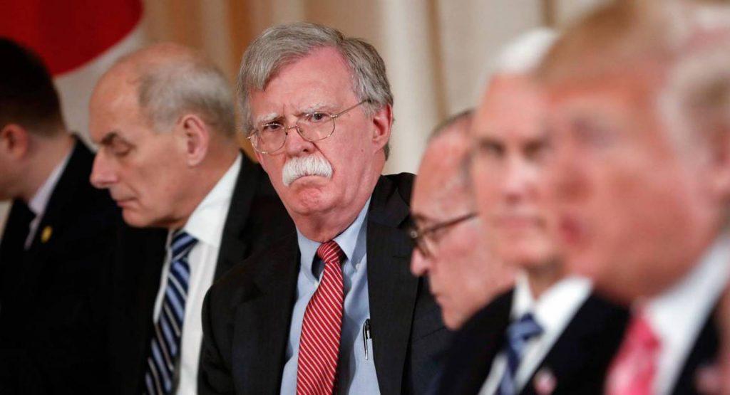 """تفاصيل جديدة حول اللحظة التي قرّر فيها ترامب إلغاء فكرة """"قصف إيران"""""""