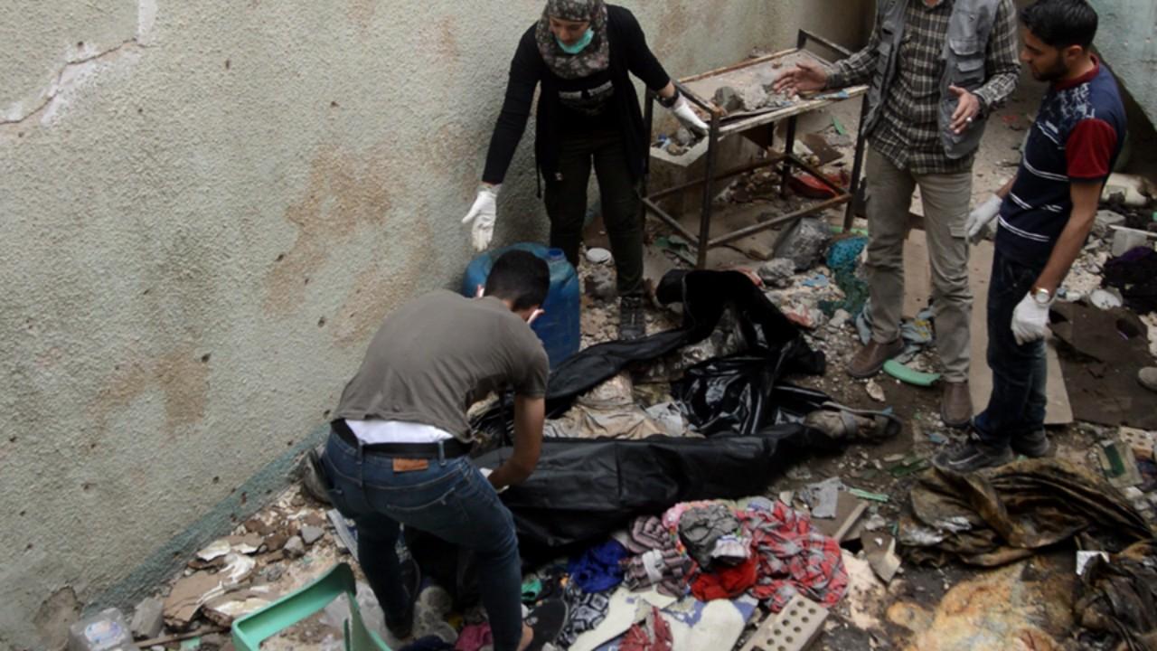 """""""جامعة الجثث"""" في الموصل بانتظار محاكمة غداً.. هذه قصة المتطوّعة سرور الحسيني"""