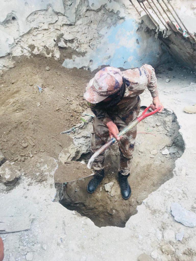 """الاستخبارات تضبط """"حزمة متفجرات"""" في مخبأ أيمن الموصل (صور)"""