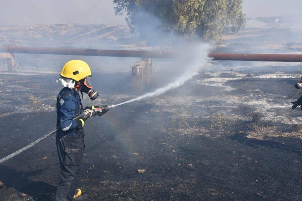 بيان من الدفاع المدني بشأن آخر تطورات حرائق كبريت المشراق .. الماء لا يجدي!