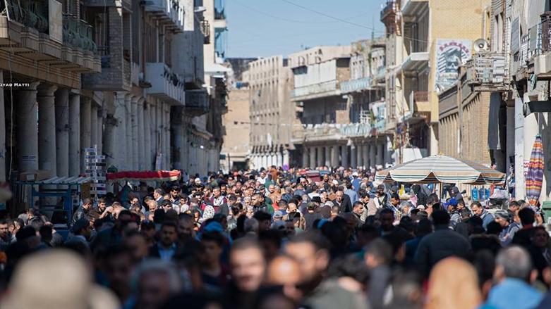 """أسواق الجمعة.. كيف يواجه البغداديون """"موجة الحر المُفترسة""""؟"""