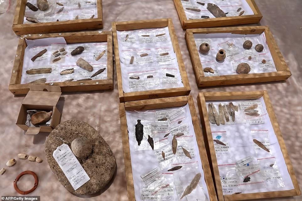 """العثور على مدينة قرب القدس تعود الى """"العصر الحجري"""" (صور)"""