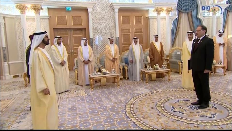 بالصور.. مفوض العراق فوق العادة يسلم أوراق اعتماده في الإمارات