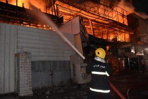 صور من داخل حريق الحارثية: أكثر من 12 فرقة إطفاء تصل إلى موقع الحادثة