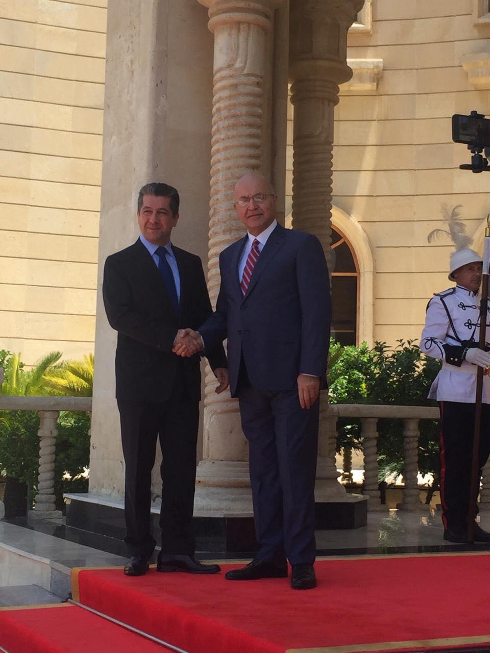 رئيس الجمهورية يستقبل مسرور بارزاني في قصر السلام