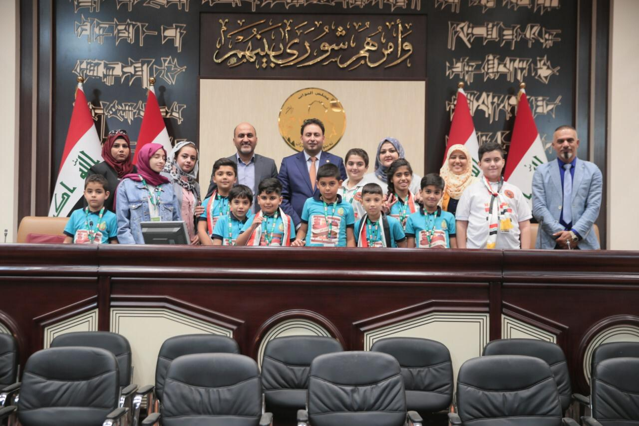 برفقة نوّاب من سائرون: الكعبي يشرح للأطفال كيفية عمل البرلمان!