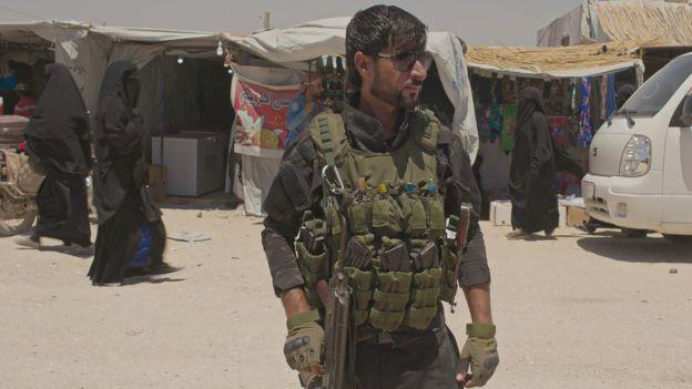 چى لە كهمپى (هۆڵ) کەمپى بۆمبە تەوقیتکراوەکانى داعش روودەدات؟