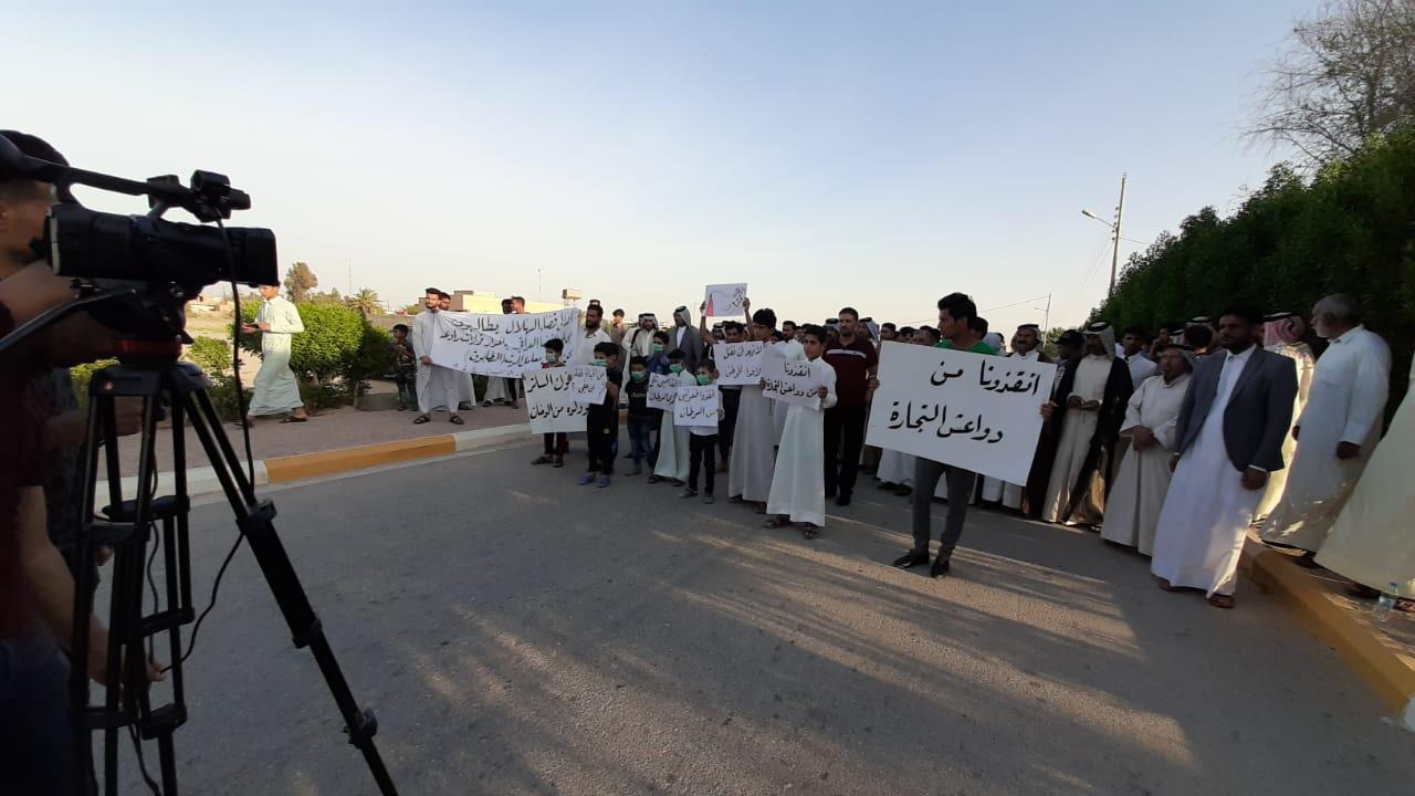 الأطفال يتقدمون احتجاجات المثنى ضد معامل الديوانية
