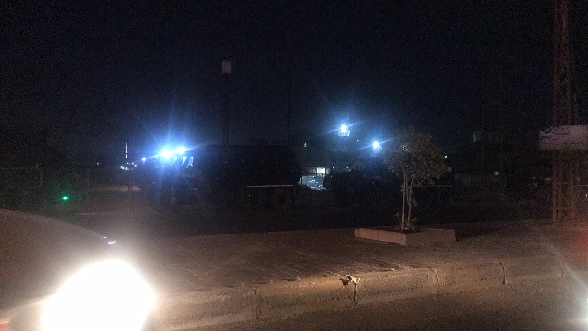 صور حصرية من موقع الانفجارات جنوب بغداد.. والشرطة تخلي الآليات من المعسكر