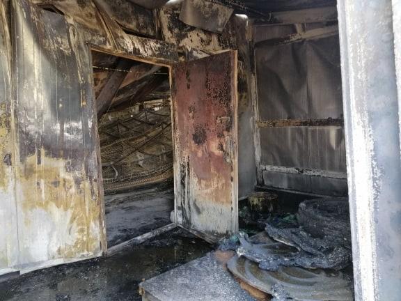 حريق هائل يلتهم حقول دواجن الديوانية (صور)
