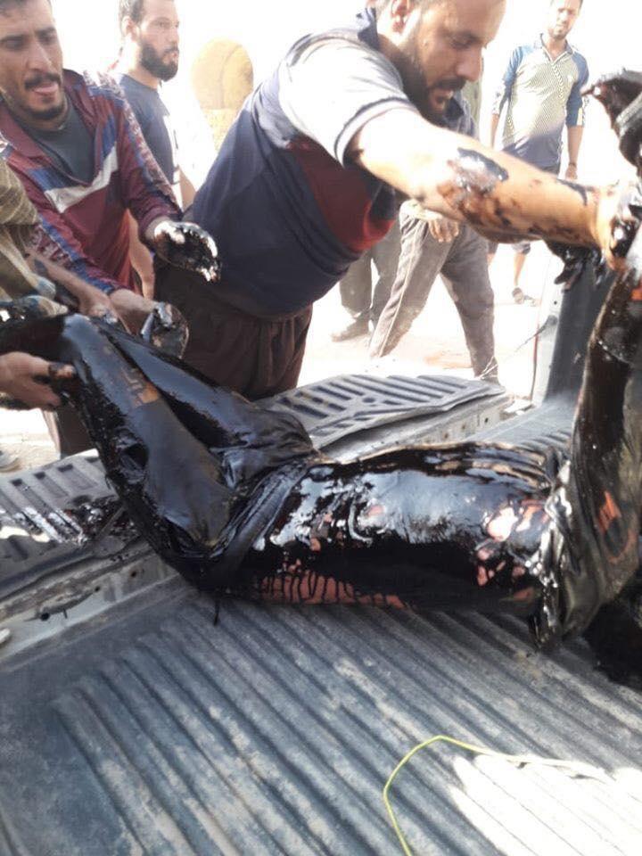 صور: انتشال جثة صبي سقط في خزان للنفط