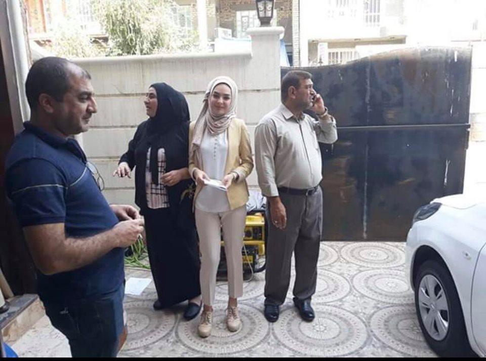 من ماله الشخصي.. مدرس خاص في ديالى يهدي طالبة سيارة 2019: رفعت رأسي