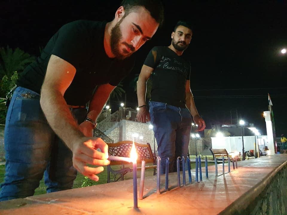 الأنبار توقد شموع المواساة لذوي ضحايا حادثة كربلاء.. (صور)