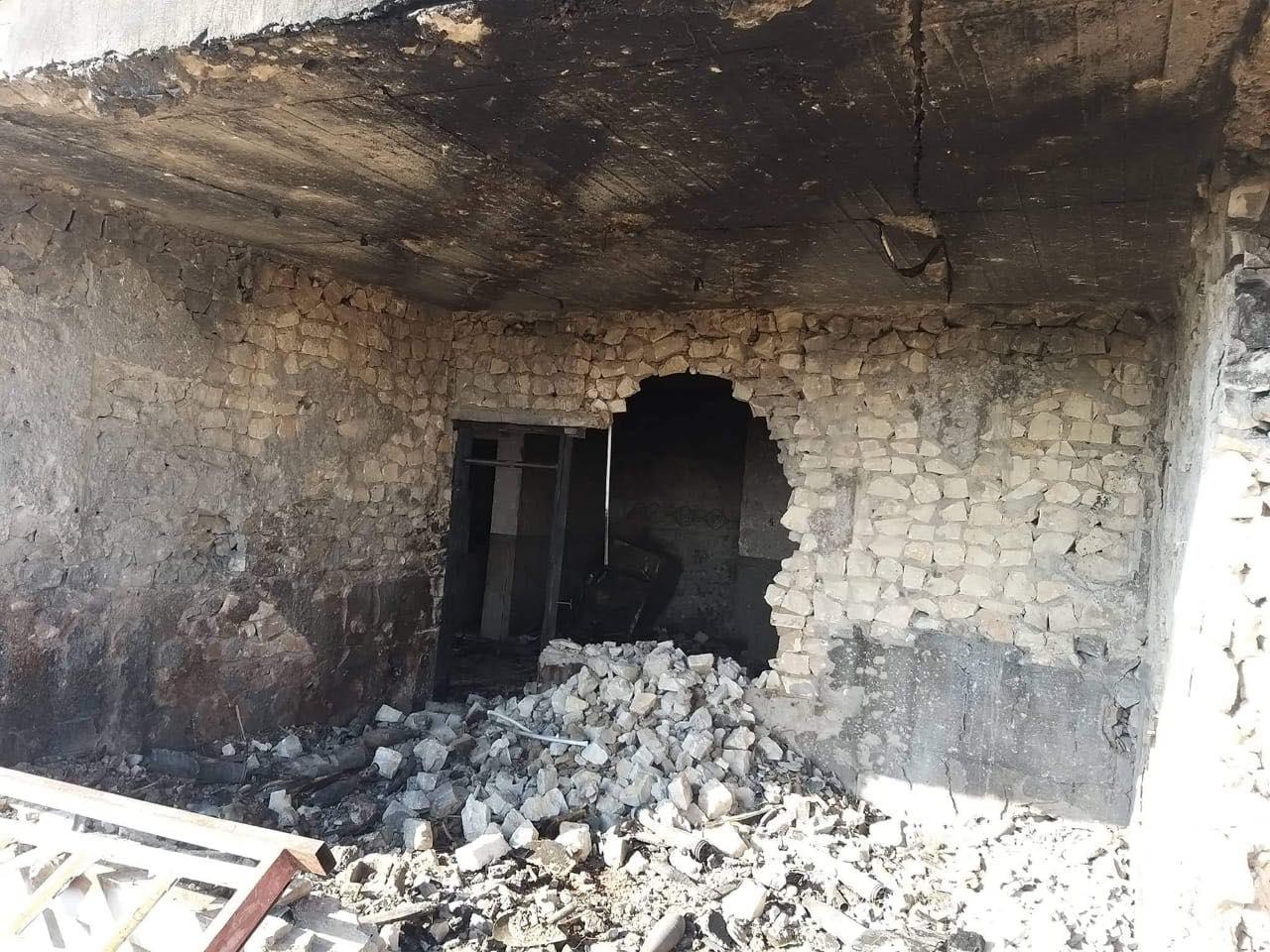 """ما خلّفه انفجار مستودع أسلحة """"الحشد العشائري"""" في هيت (صور)"""