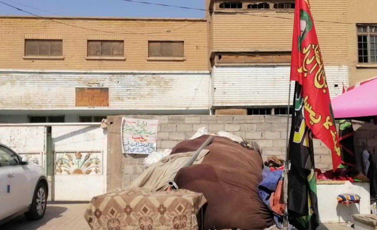 """مجازر دجاج """"تحاصر"""" أربع مدارس حكومية عراقية إحداها """"تراثية"""".. والتربية تعلق! (صور)"""