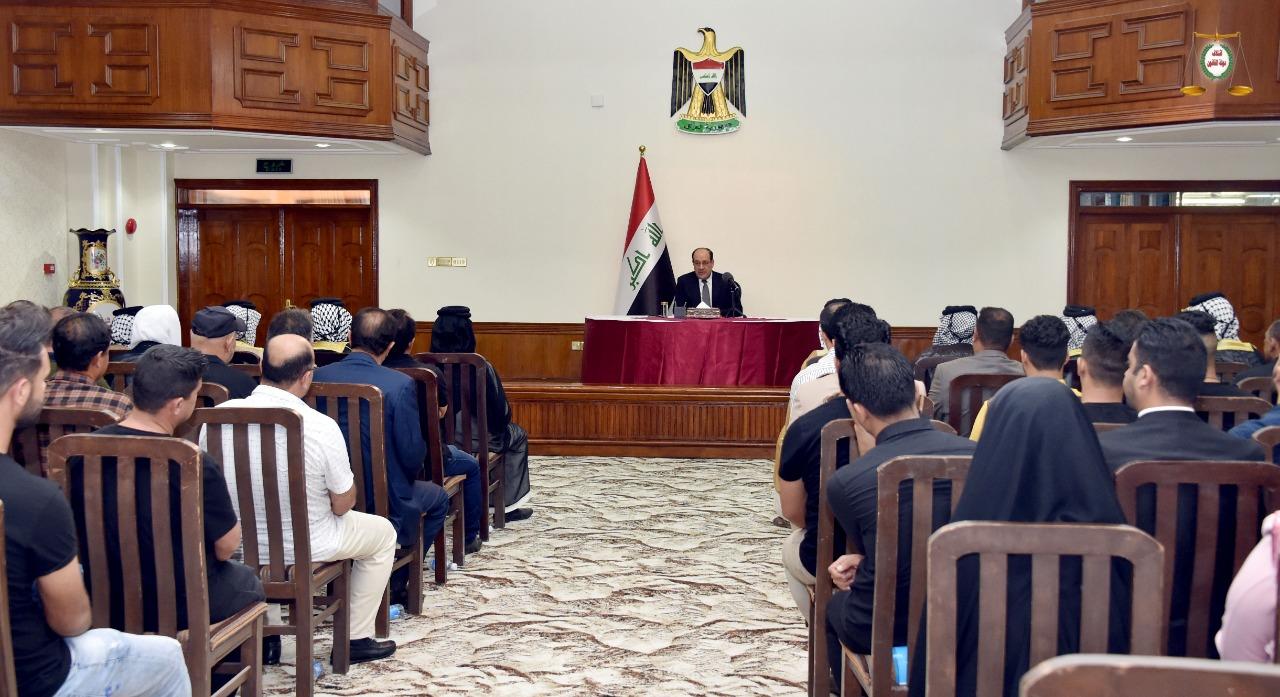 التقى وفداً من أهالي مدينة الصدر: المالكي يبدأ حراكه الانتخابي ويطالب بتحديث السجلات