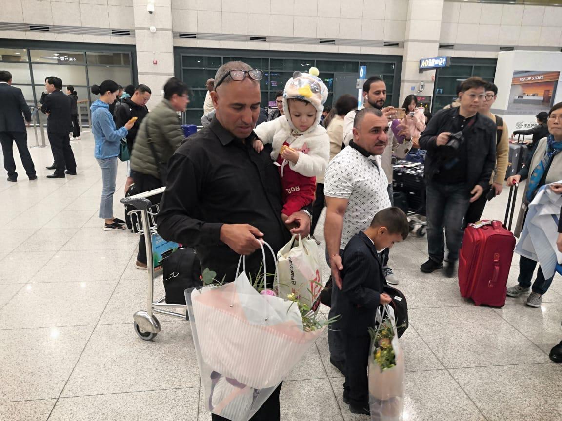 ضمن مبادرة إنسانية .. أطفال عراقيون مصابون بأمراض القلب يصلون إلى كوريا لتلقي العلاج
