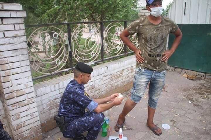 صور من احتجاجات بغداد: الشرطة تسعف متظاهرين