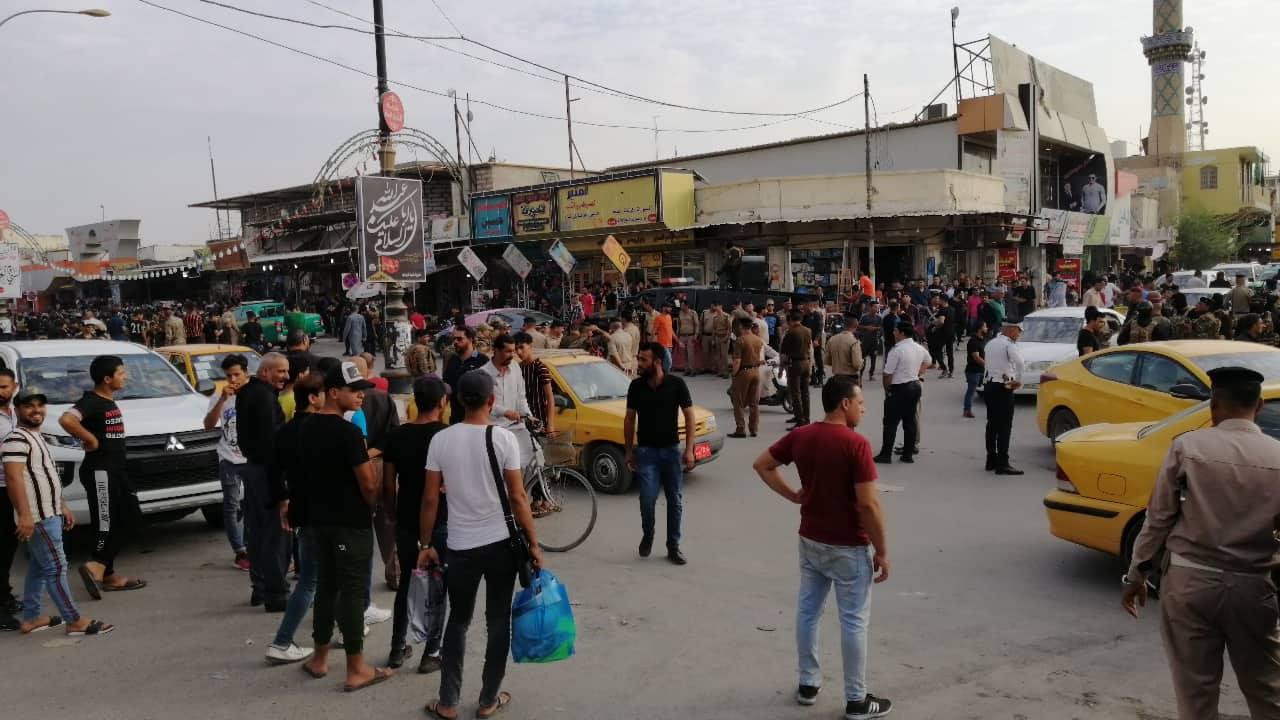 الديوانية تلتحق بركب التظاهرات .. والشرطة تلاحق المحتجين بالهراوات