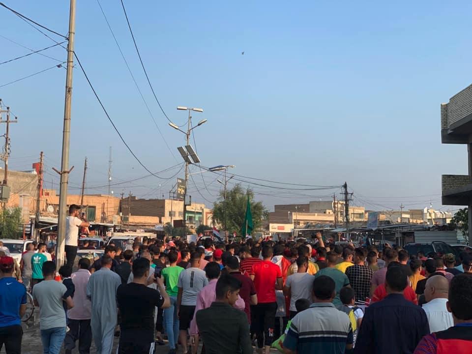 """شبّان """"بلد"""" يتضامنون مع الاحتجاجات"""