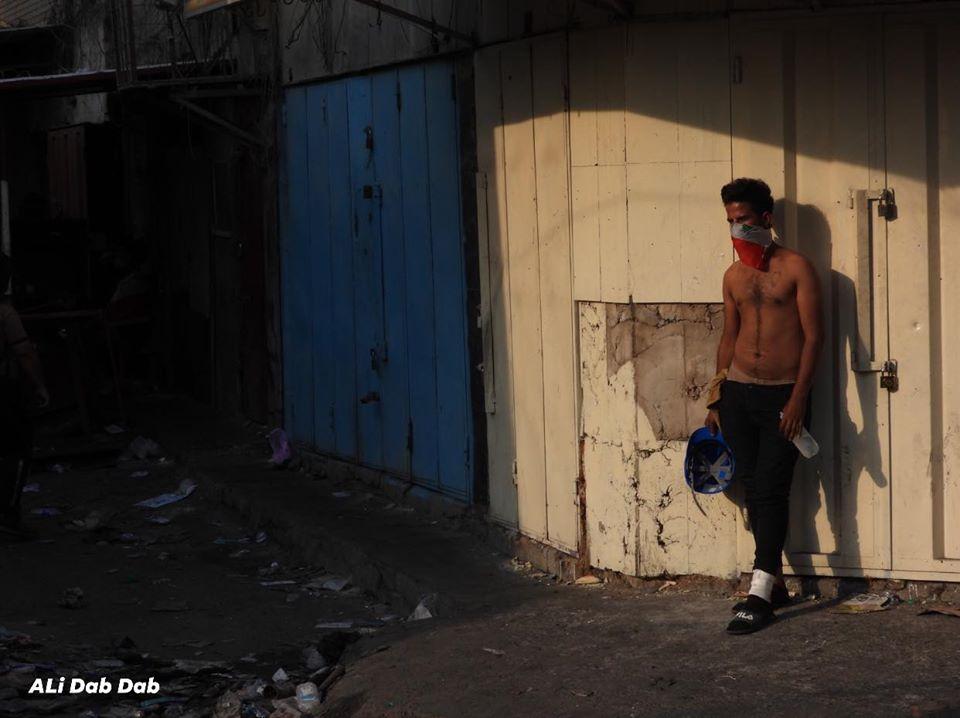 """القوات تشن هجوماً صباحياً """"مفاجئاً"""" على المتظاهرين في محيط ساحة التحرير"""