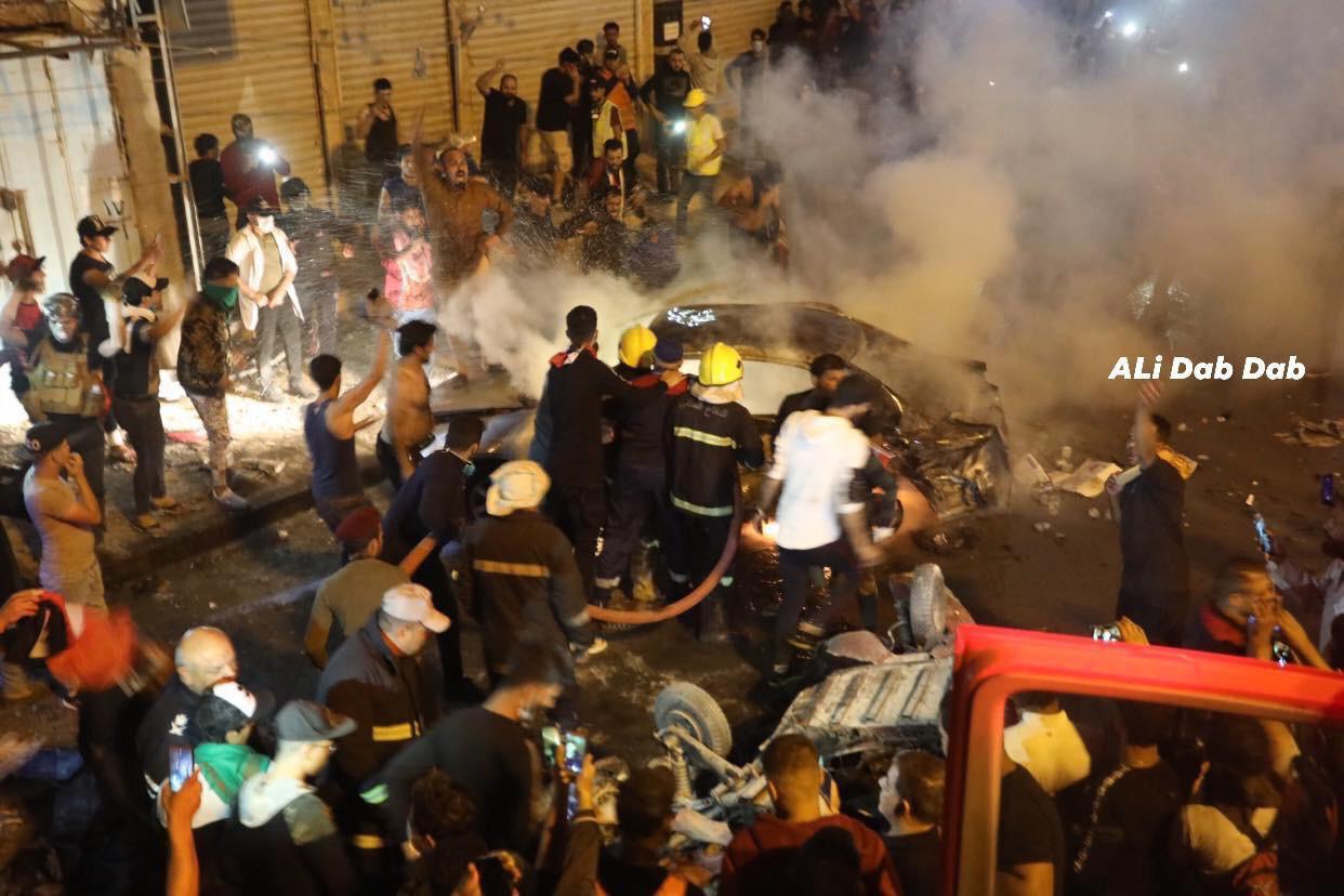 مشاهد من تفجير ساحة التحرير.. نيران ودماء