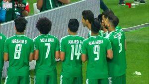 لاعبو المنتخب الوطني يرفضون الاحتفال بهدفهم الأول على الإمارات ويواسون ذوي الضحايا