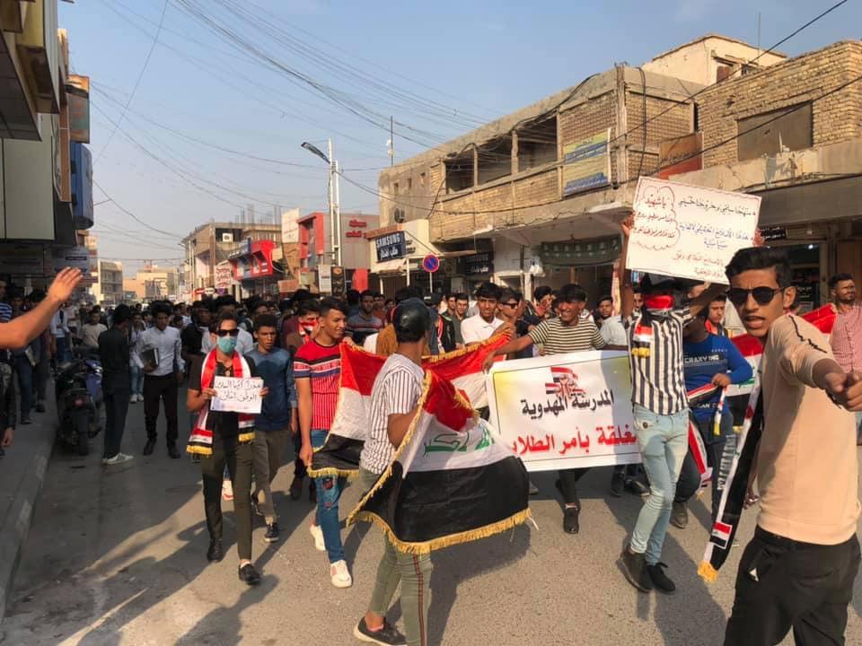 """تدريسيو وطلبة الديوانية مرابطون في ساحة الاحتجاج.. والسماوة تتضامن مع """"التحرير"""""""