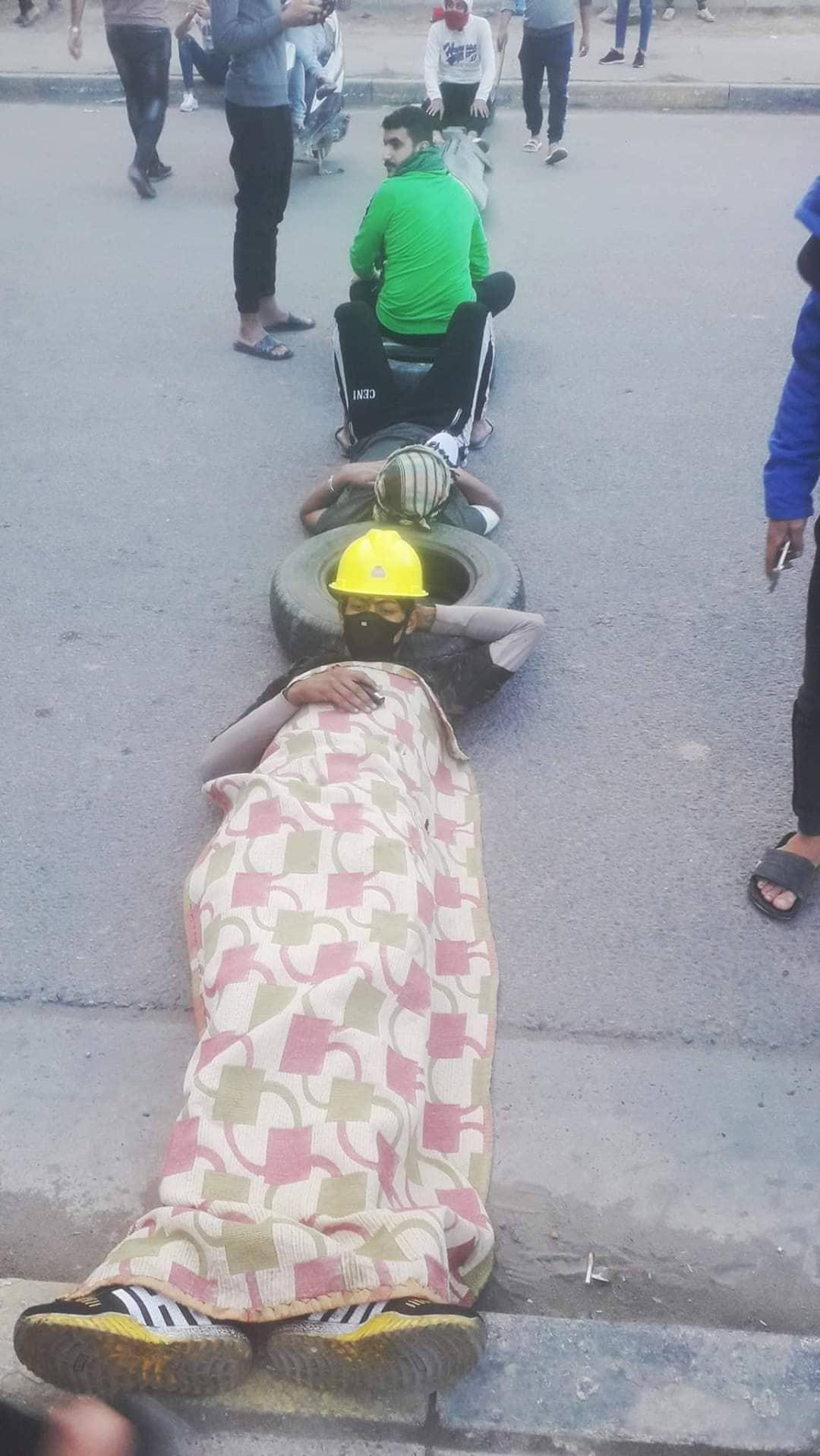صور: متظاهرو الشعلة يقطعون سلسلة من الطرق الرئيسية