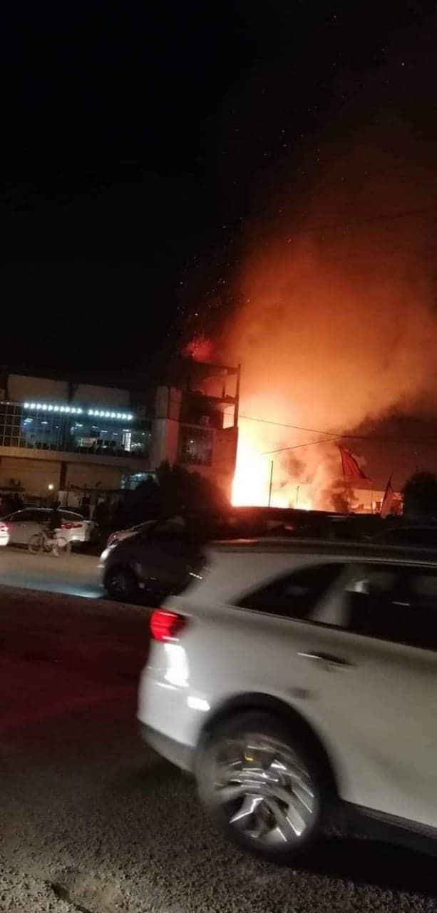 رداً على لقاء شيوخ بعبدالمهدي.. حرق مديرية شؤون العشائر في ذي قار (صور وفيديو)