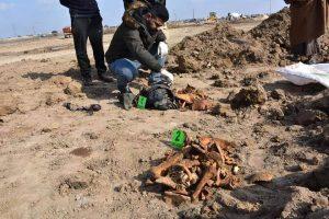 العثور على مقبرة جماعية لجنود من الجيش العراقي السابق (صور)