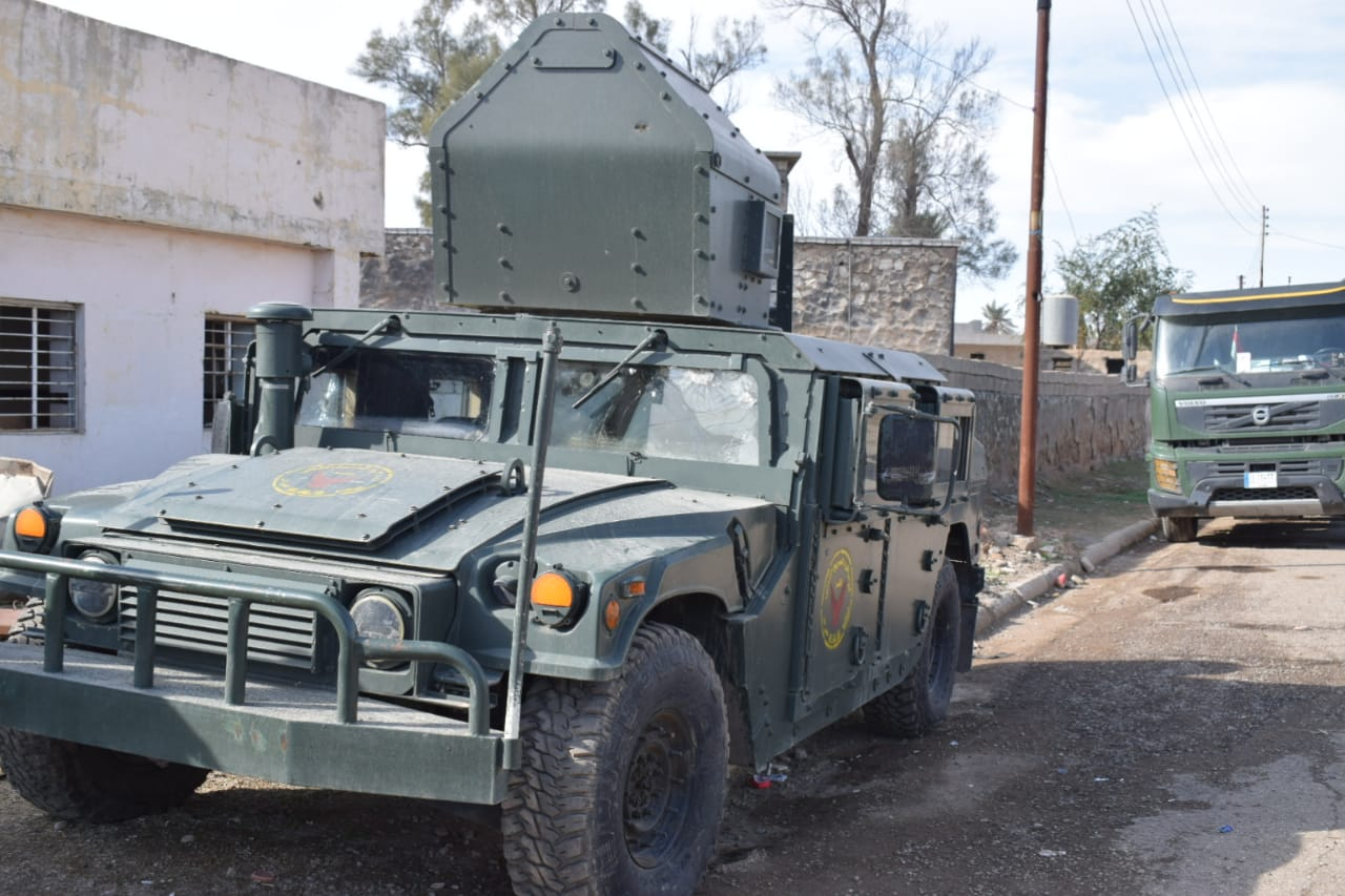 """قطعات """"مدججة"""" تتقدم في كركوك بعد يومين من استهداف قاعدة تضم قوات أميركية (صور)"""