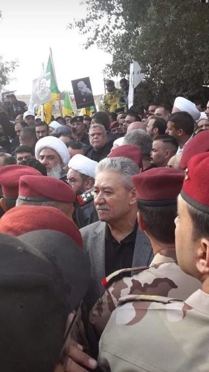 أحد المرشحين لمنصب رئيس الوزراء يشارك في تشييع المهندس وسليماني (صورة)