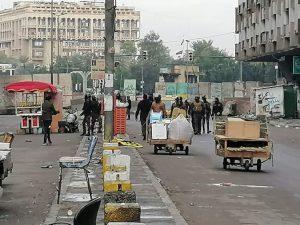 بعد فتح ساحات مغلقة.. قوة أمنية تحاصر ساحة التحرير