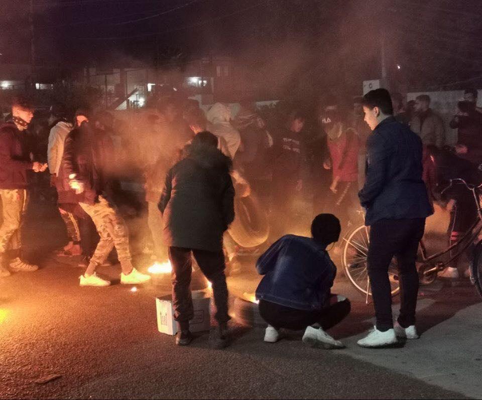 """أول تحرك من الدورة .. متظاهرون يغلقون """"السريع"""" ! (صور)"""