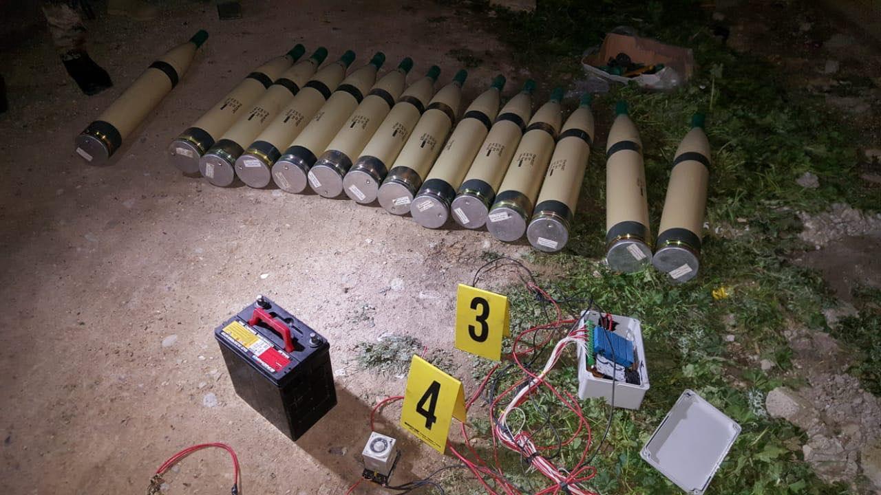 مكافحة المتفجرات تعالج صواريخ مجهزة لاستهداف قاعدة كيوان (صور)