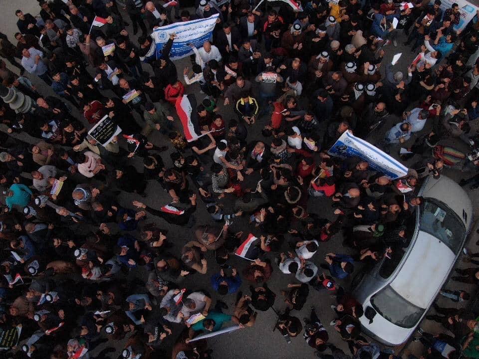 """الديوانية تُطلق تظاهرة مسائية من """"مسجد"""" احتجاجاً على إراقة دماء شبان بغداد (صور)"""