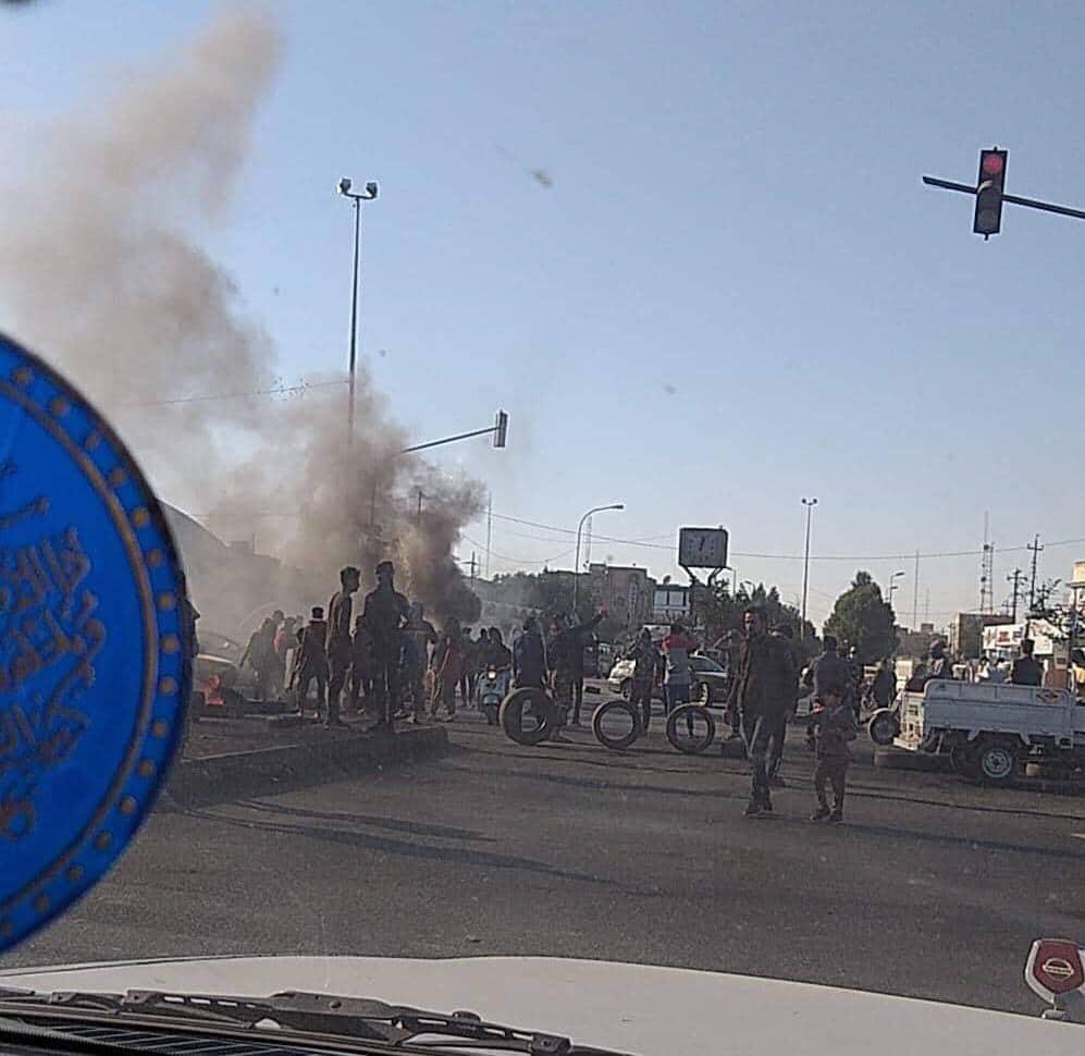 الناصرية غاضبة بعد محاولة اغتيال محامٍ يتولى الدفاع عن المتظاهرين (صور)