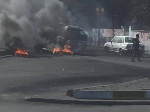 """جولة مصوّرة من عدة مدن: متظاهرون يرفضون """"علاوي ومَن أبرم صفقته""""!"""